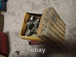 Un Énorme Lot Des Années 1940 -1970 Nos Car Engine Parts Hardware Mopar Autolite In Boxes